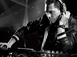 Phase 1 & 2 Lineup Announcements   Digital Dreams Music Festival 2013