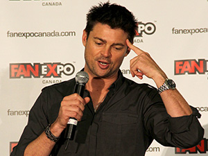 [Photos] Fan Expo Canada 2013 | Celebs, Costumes, Sports and Nerdvana!