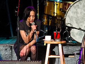 [Photos] Fiona Apple + Blake Mills @ Queen Elizabeth Theatre (10/17)