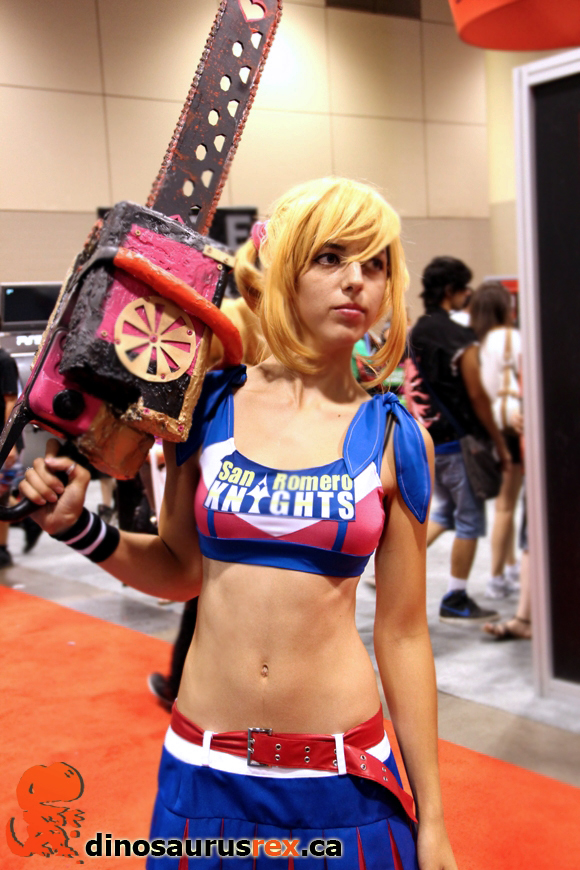 real-life-chainsaw-lolly-pop-cosplay-chick-fan-expo-2012 cheerleader