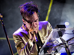[Photos] Panic! At The Disco, Walk the Moon | The Gospel Tour